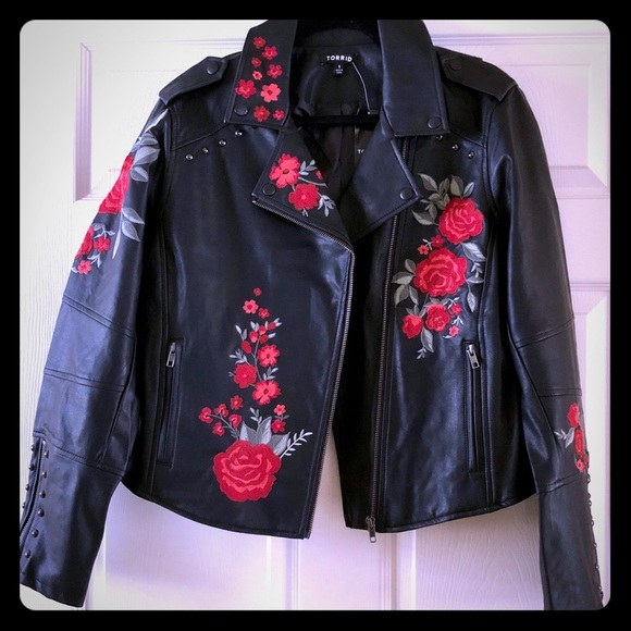 9615c249ce93a TORRID faux leather jacket with roses